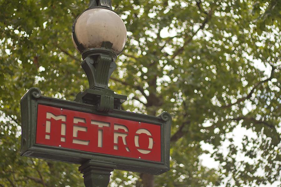 Le Metro Photograph