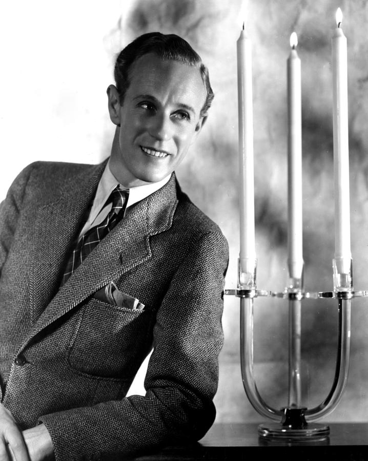 Leslie Howard, Portrait Photograph