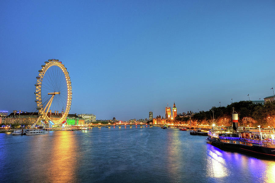 Horizontal Photograph - London At Night by Thank you for choosing my work.