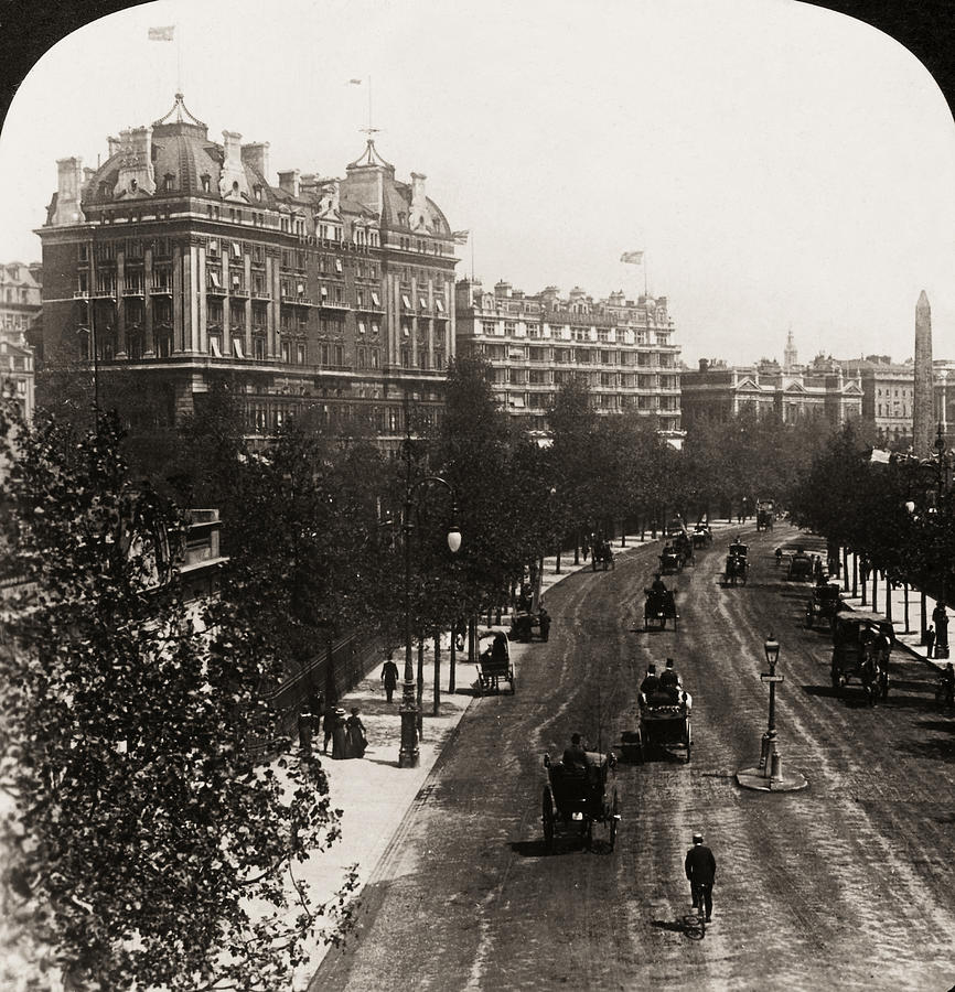 London: Embankment, 1908 Photograph  - London: Embankment, 1908 Fine Art Print