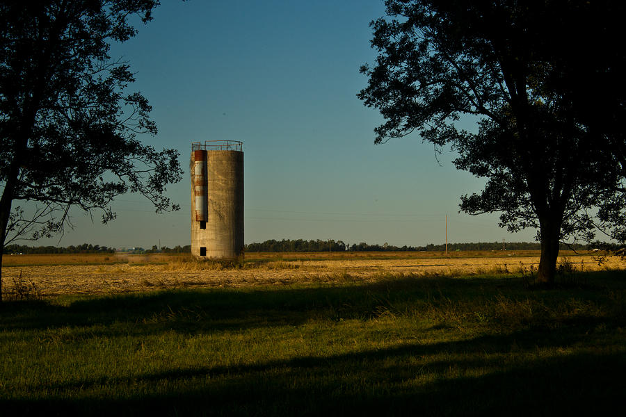 Lonly Silo 5 Photograph