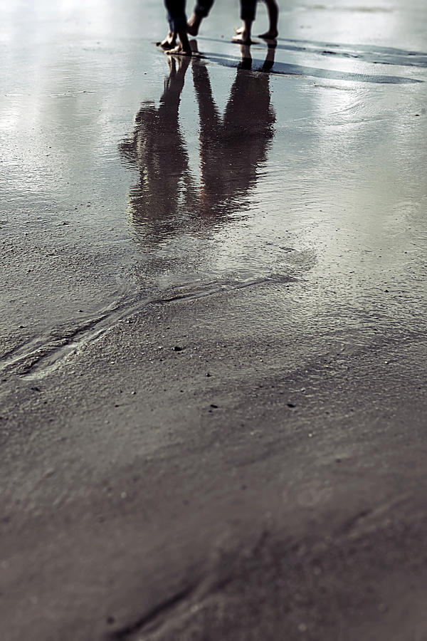 People Photograph - Low Tide by Joana Kruse
