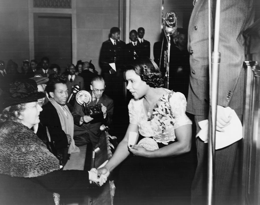 Marian Anderson 1897-1993, Shaking Photograph