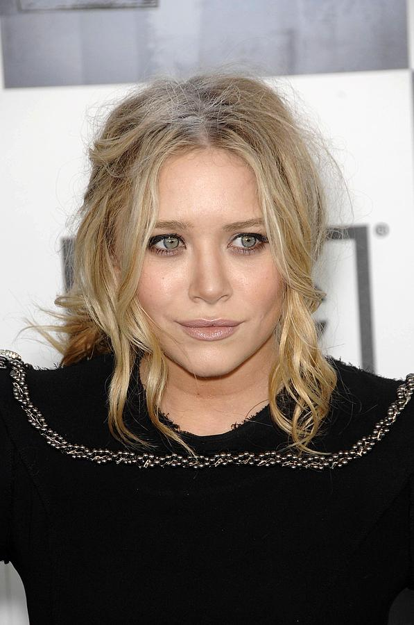 Mary Kate Olsen At Arrivals Photograph  - Mary Kate Olsen At Arrivals Fine Art Print