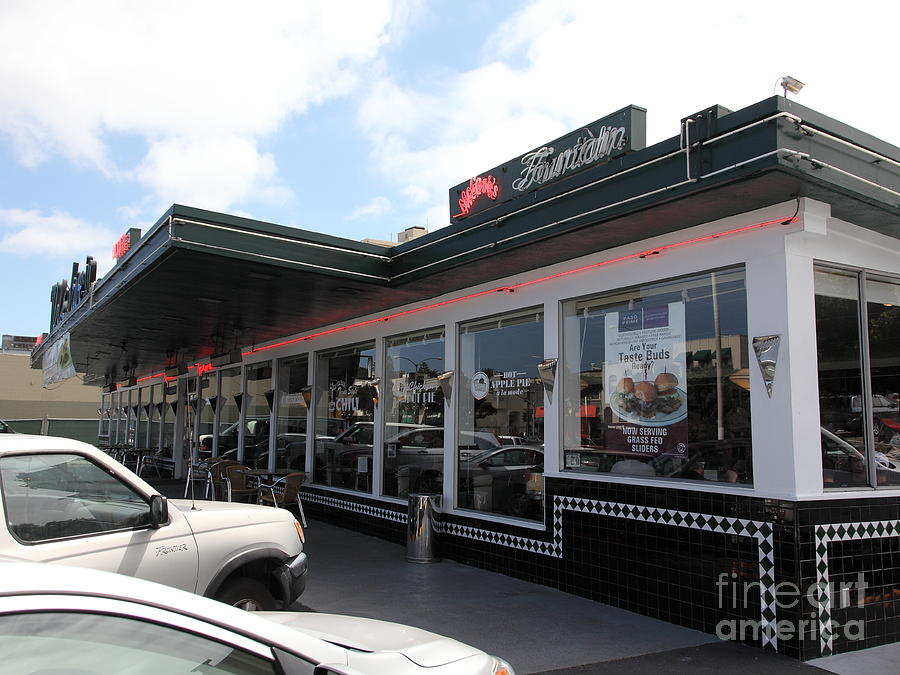 Mels Drive-in Diner In San Francisco - 5d18041 Photograph