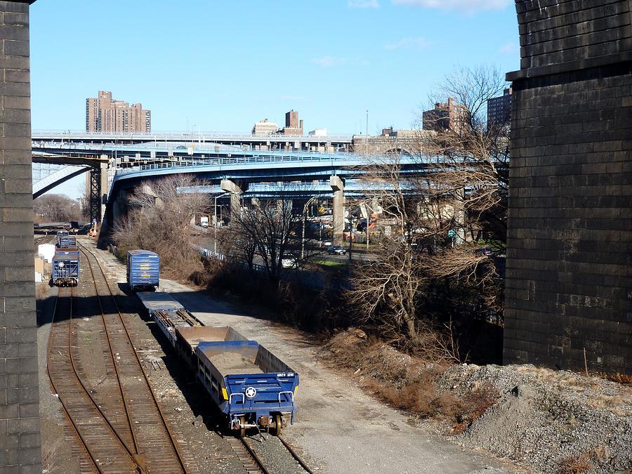 Bronx Digital Art - Metro North by Steve Breslow