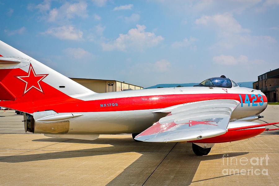 Mig-17 Photograph - Mig-17f Fresco C 17qs by John Waclo