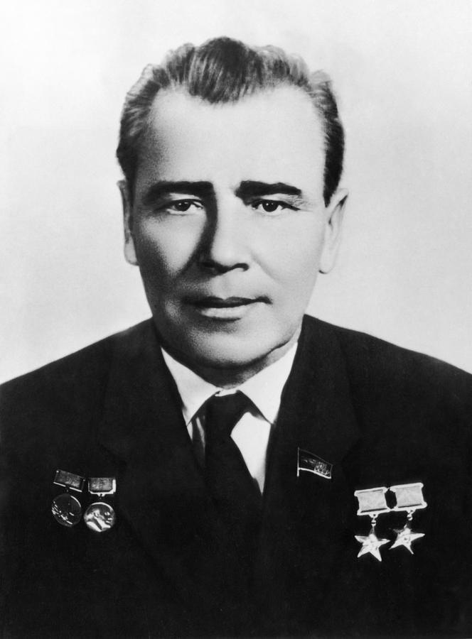 الشيطان  اقوى صاروخ بالعالم بلا منازع بالتفصيل (SATANA) Mikhail-yangel-soviet-rocket-scientist-ria-novosti