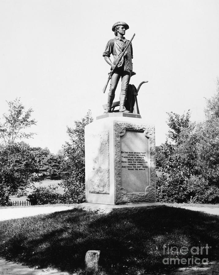 Minuteman Statue Photograph