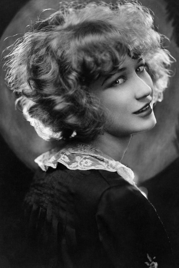 1920s Portraits Photograph - Miriam Hopkins, Ca. 1926 by Everett