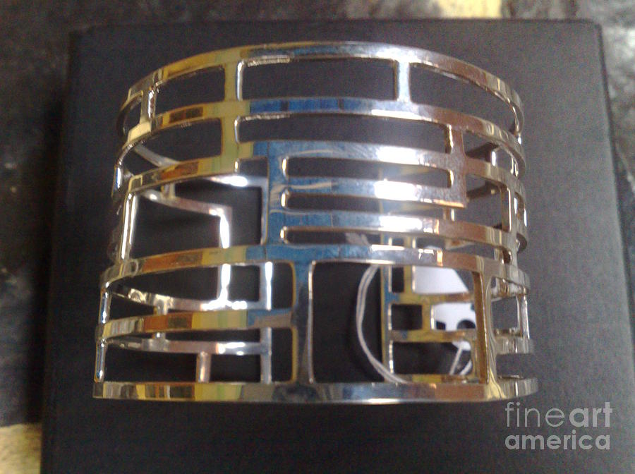 Model 3 - Ss Plain Cuff With Home Gate Entrance Desings Jewelry
