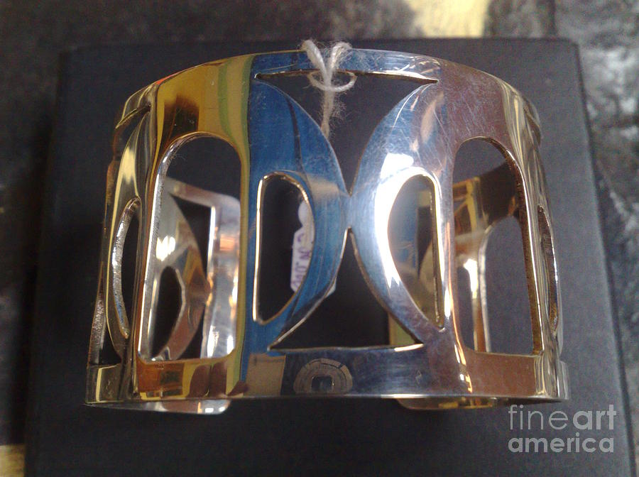 Model 4 - Ss Plain Cuff With Home Gate Entrance Desings Jewelry