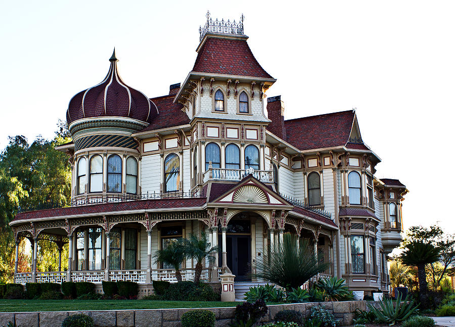 Morey mansion for Large victorian homes for sale