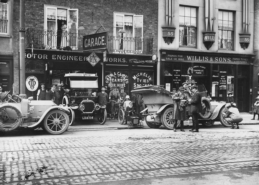 Motor Garage Photograph