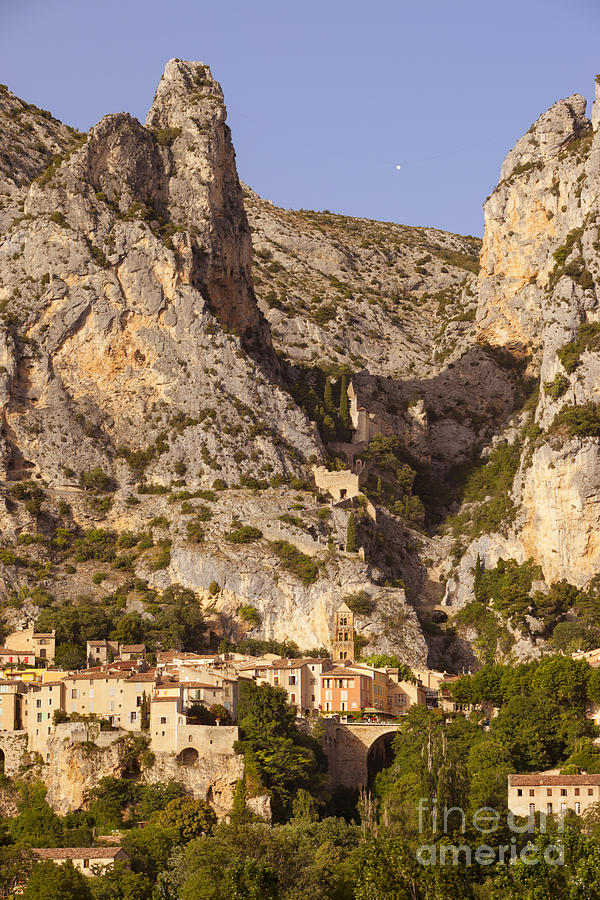 Moustier-sainte-marie Photograph