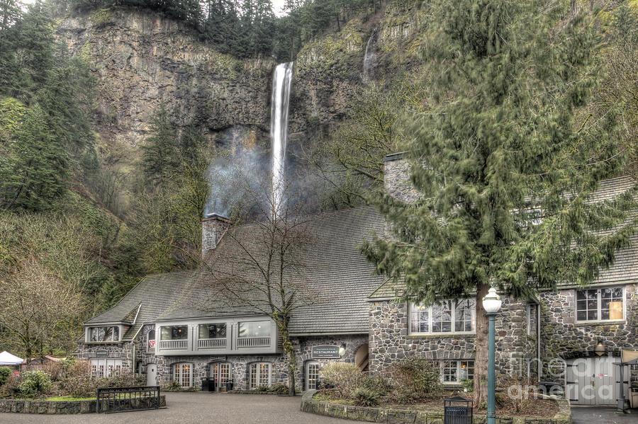Multnomah Falls Lodge And Restaurant Columbia River Gorge ...