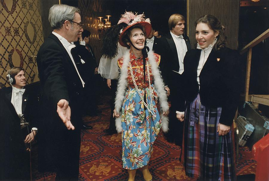 http://images.fineartamerica.com/images-medium-large/nancy-reagan-in-her-second-hand-clothes-everett.jpg