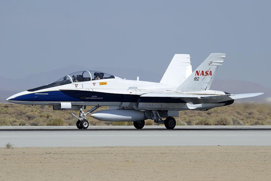 Nasa Fa-18b Hornet N852na Taking Off At Edwards Afb ...