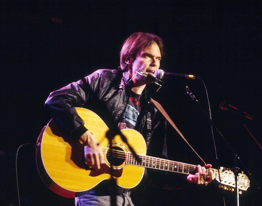 Neil Young Photograph - Neil Young 1986 by Chris Walter