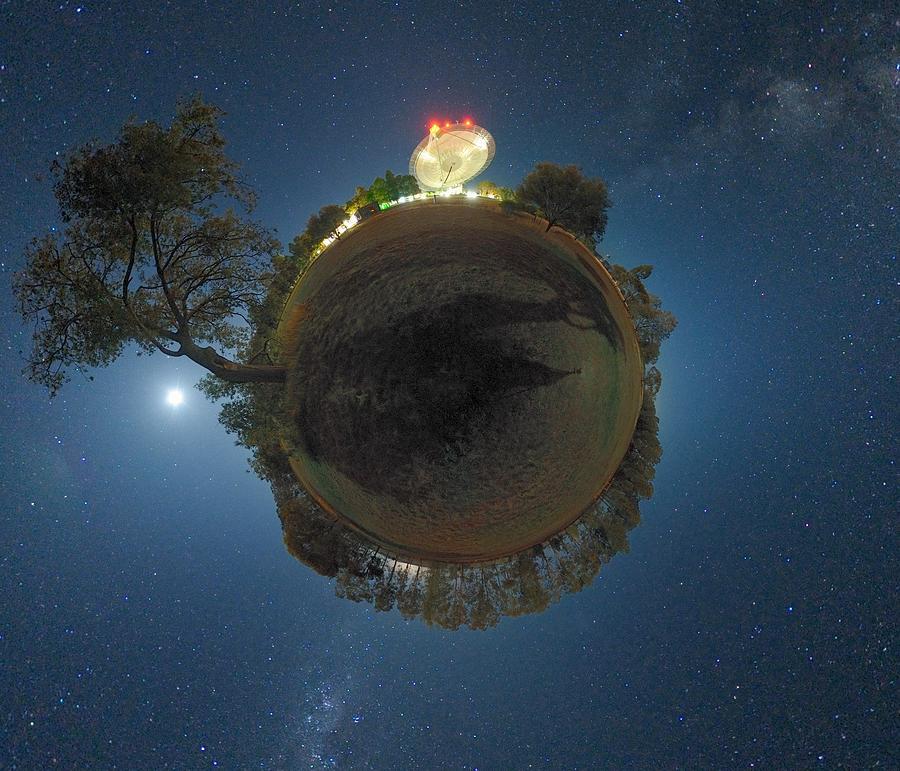 Night Sky Over Parkes Observatory Photograph