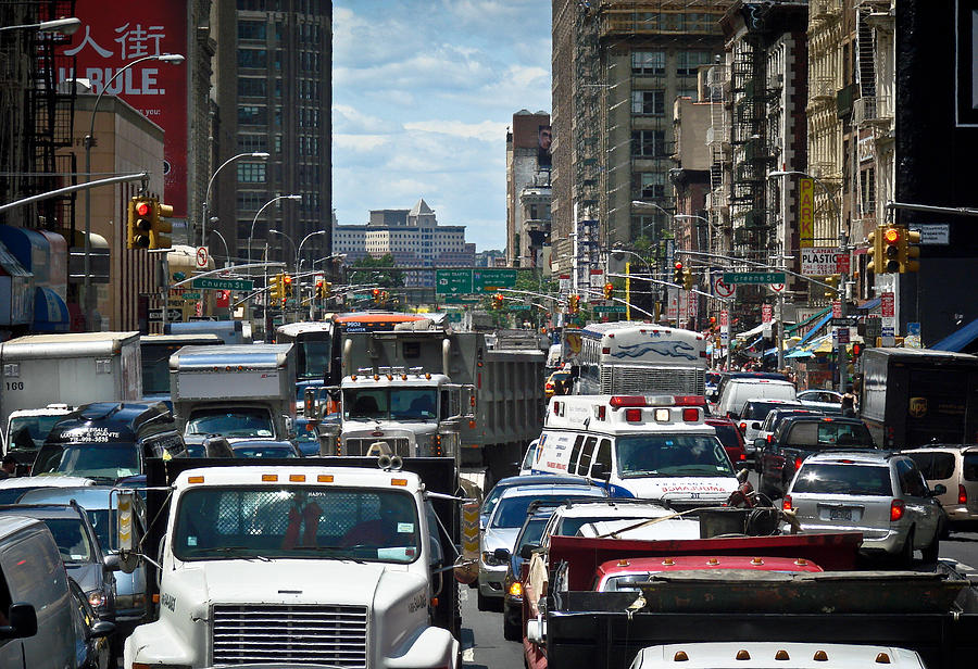 http://images.fineartamerica.com/images-medium-large/nyc-traffic-jam-ronda-broatch.jpg