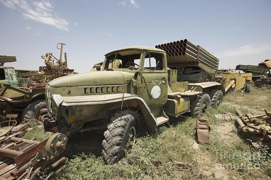 Život u Rusiji nekada davno Old-russian-bm-21-launch-vehicle-terry-moore
