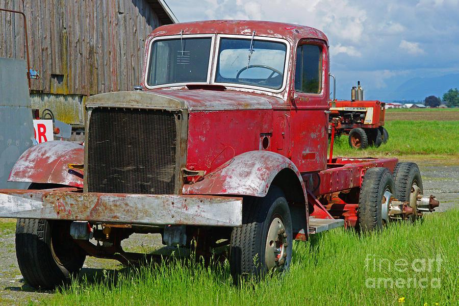 semi trucks for sale old antique semi trucks for sale. Black Bedroom Furniture Sets. Home Design Ideas