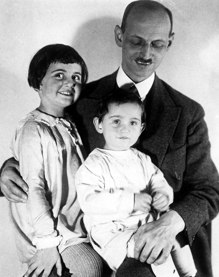 Otto Frank With His Daughters Margot Photograph