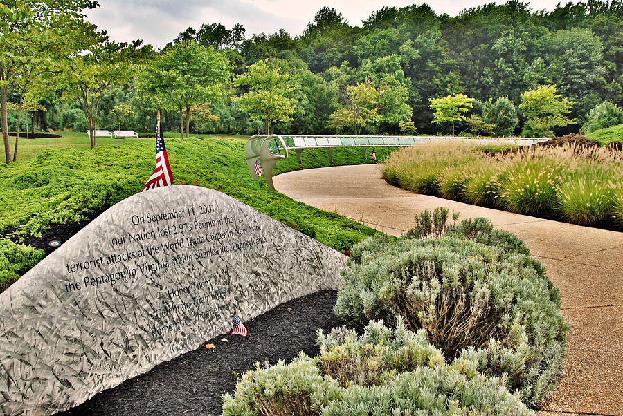 Our Nation Lost 2973 People - Garden Of Reflection Photograph