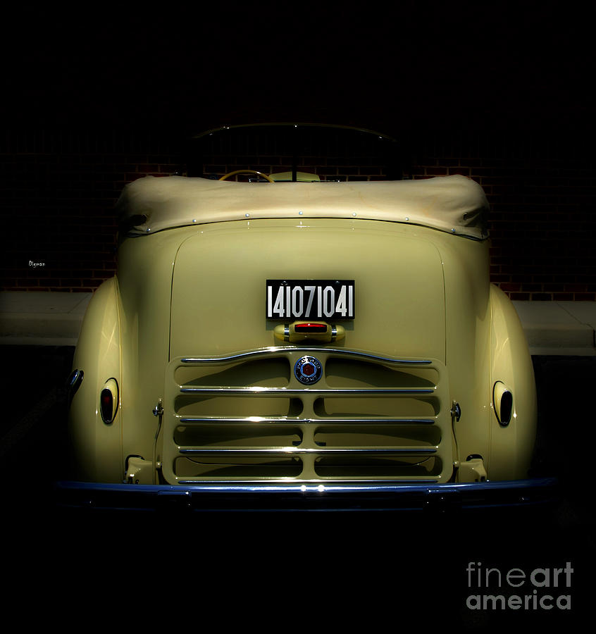Packard Convertible V8 Juice       Photograph