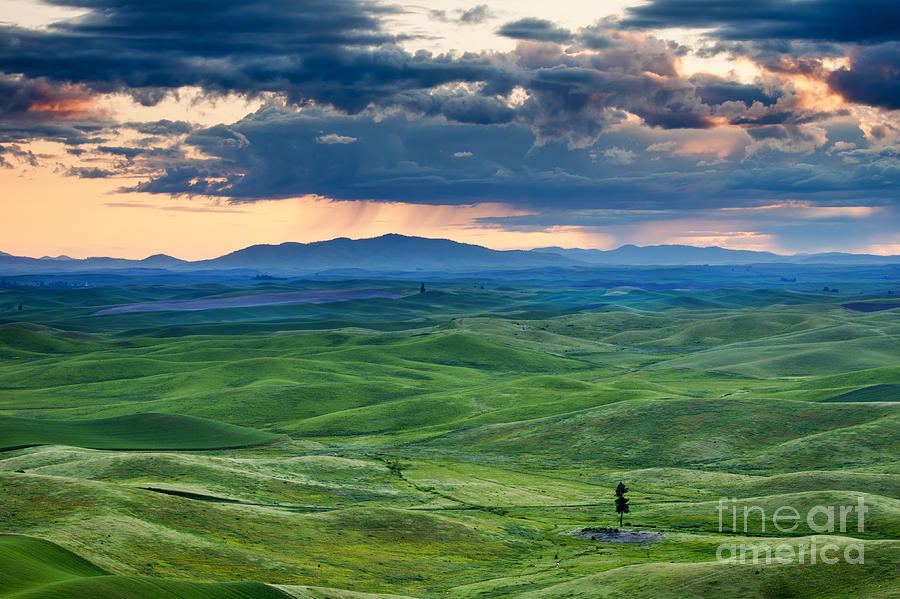 Palouse Storm Photograph