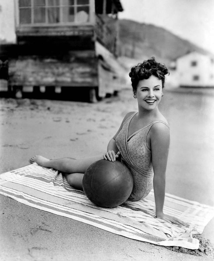 1940s Portraits Photograph - Paulette Goddard, 1943 by Everett
