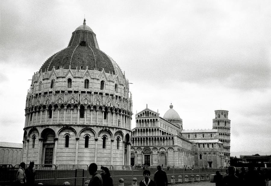 Piazza Dei Miracoli Photograph