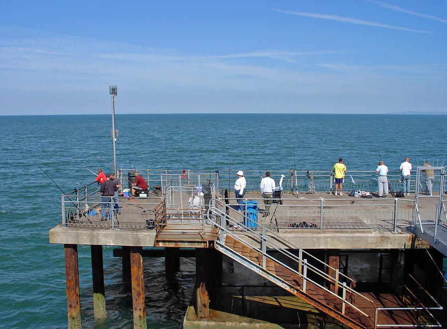Pier fishing at llandudno by rod johnson for Best pier fishing rod