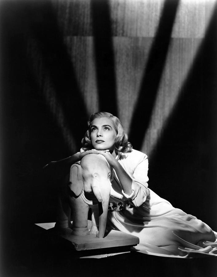 1940s Portraits Photograph - Pitfall, Lizabeth Scott, 1948 by Everett