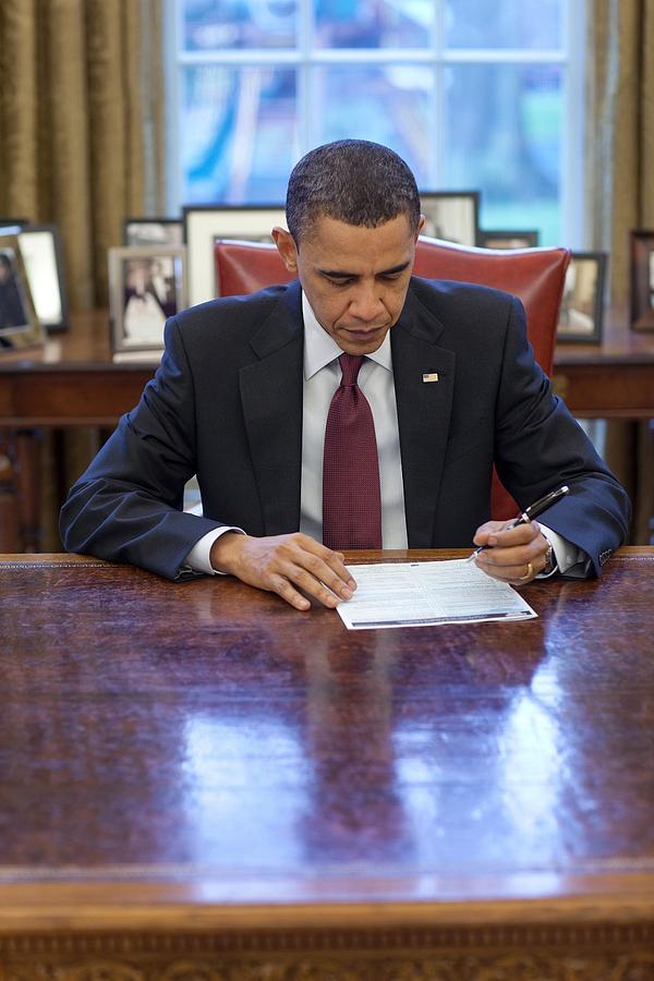 History Photograph - President Barack Obama Fills by Everett