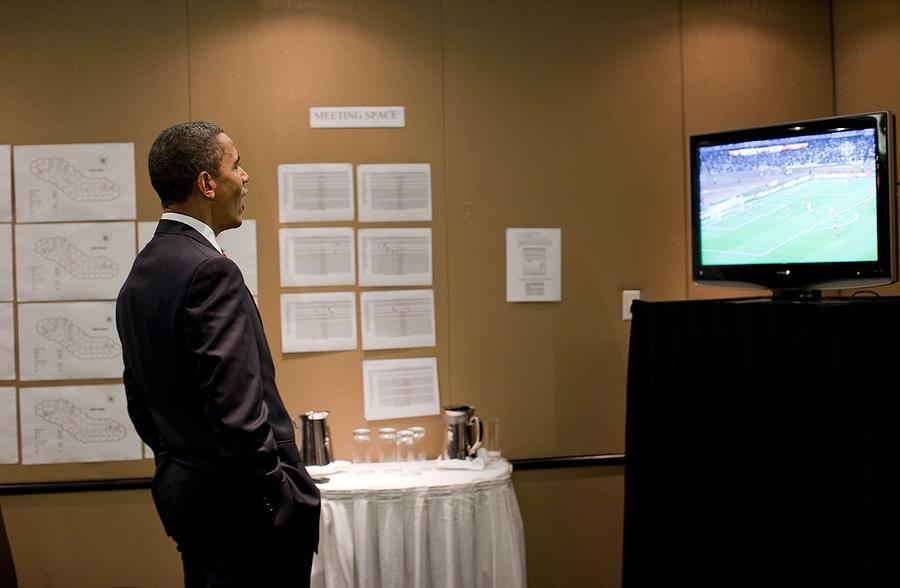 President Barack Obama Watches The U.s Photograph