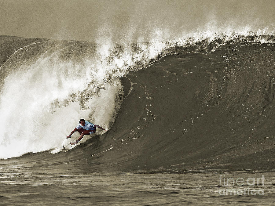 Pro Surfer Julian Wilson Surfing In The Pipeline Masters Contest Photograph