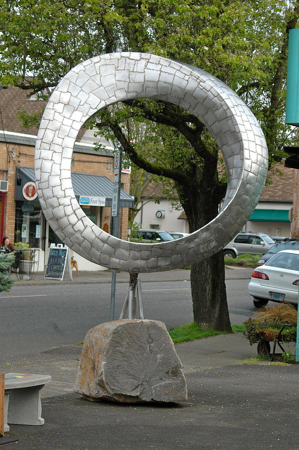 Q Mobius Sculpture