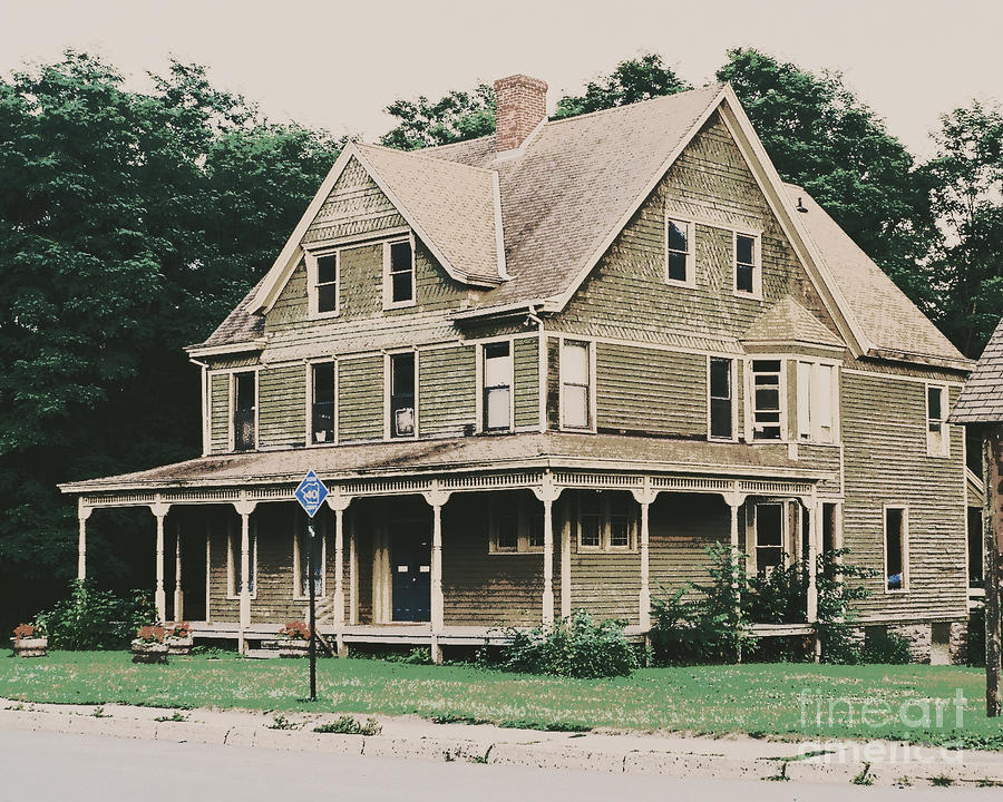 Quaint Old House In Upstate New York Photograph by Trude Janssen