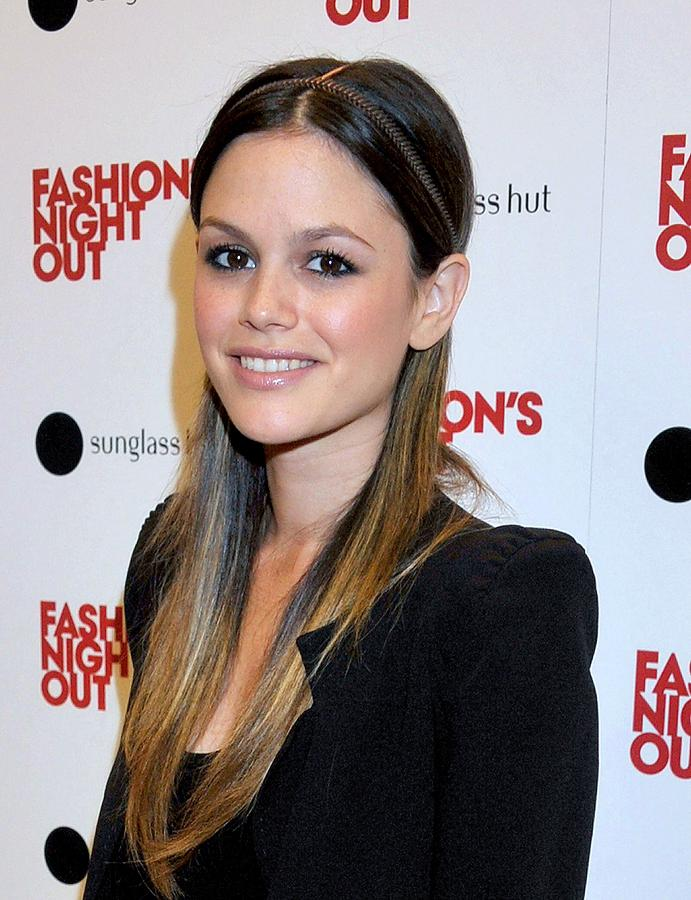 Rachel Bilson Photograph - Rachel Bilson At A Public Appearance by Everett