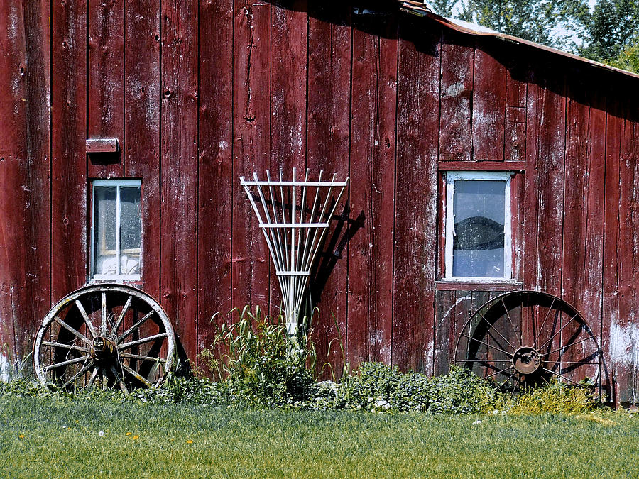 Red Barn Wall Decor : Red barn wall photograph by richard gregurich