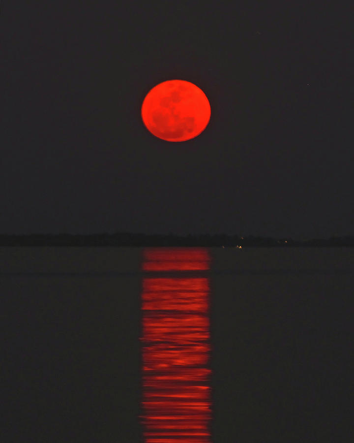 red moon rising meaning - photo #16