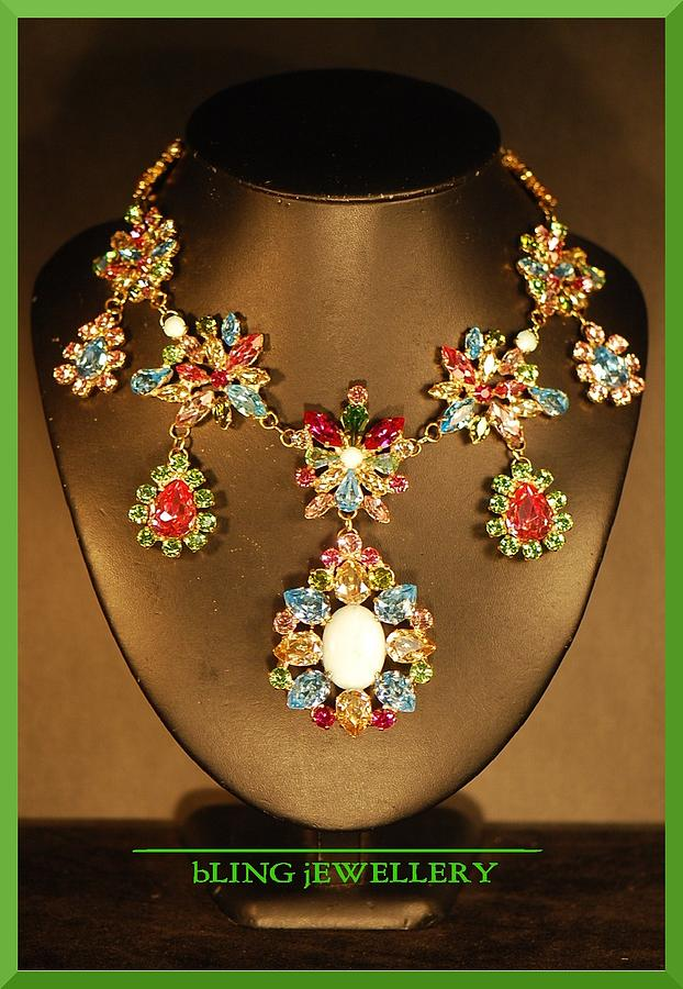 Reduced Spring Flower Multi Coloured Festoon Necklace Jewelry