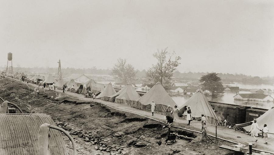 History Photograph - Refugees At A Tent City On The Levee by Everett