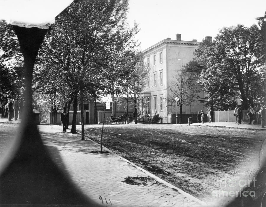 Richmond: Davis Home, 1865 Photograph  - Richmond: Davis Home, 1865 Fine Art Print