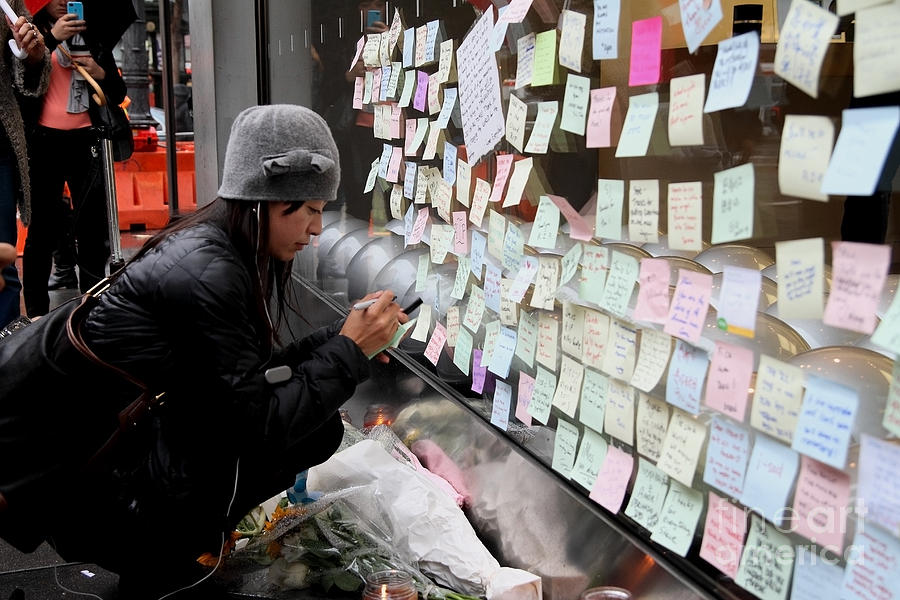 Rip Steve Jobs . October 5 2011 . San Francisco Apple Store Memorial 7dimg8572 Photograph  - Rip Steve Jobs . October 5 2011 . San Francisco Apple Store Memorial 7dimg8572 Fine Art Print