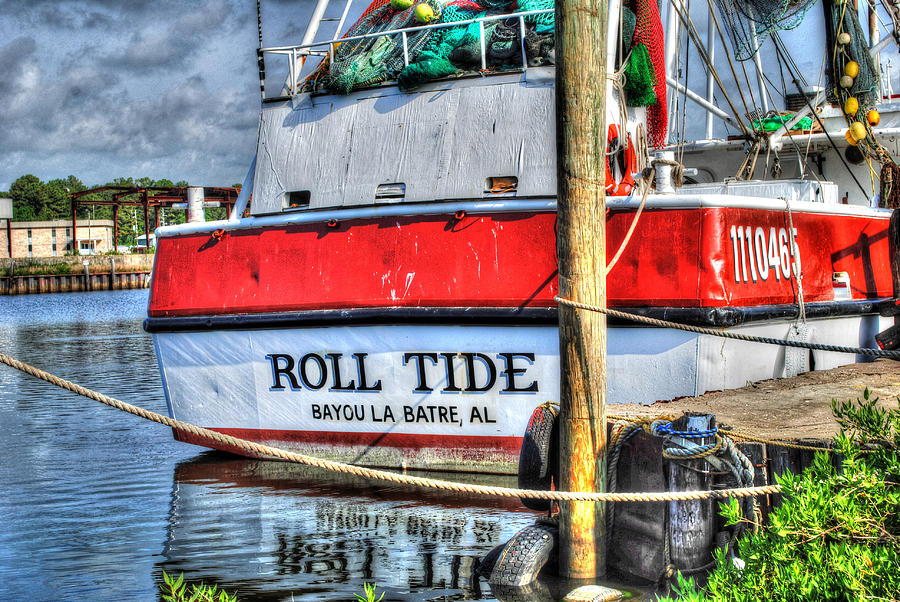 Roll Tide Stern Digital Art  - Roll Tide Stern Fine Art Print