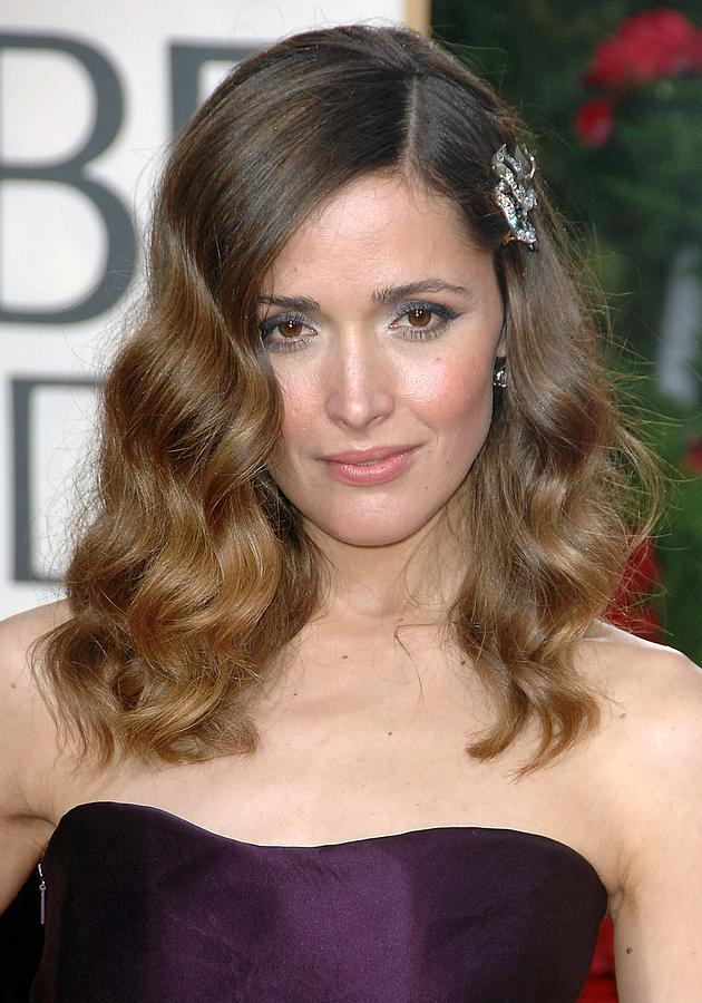 Rose Byrne Wearing A Neil Lane Brooch Photograph  - Rose Byrne Wearing A Neil Lane Brooch Fine Art Print