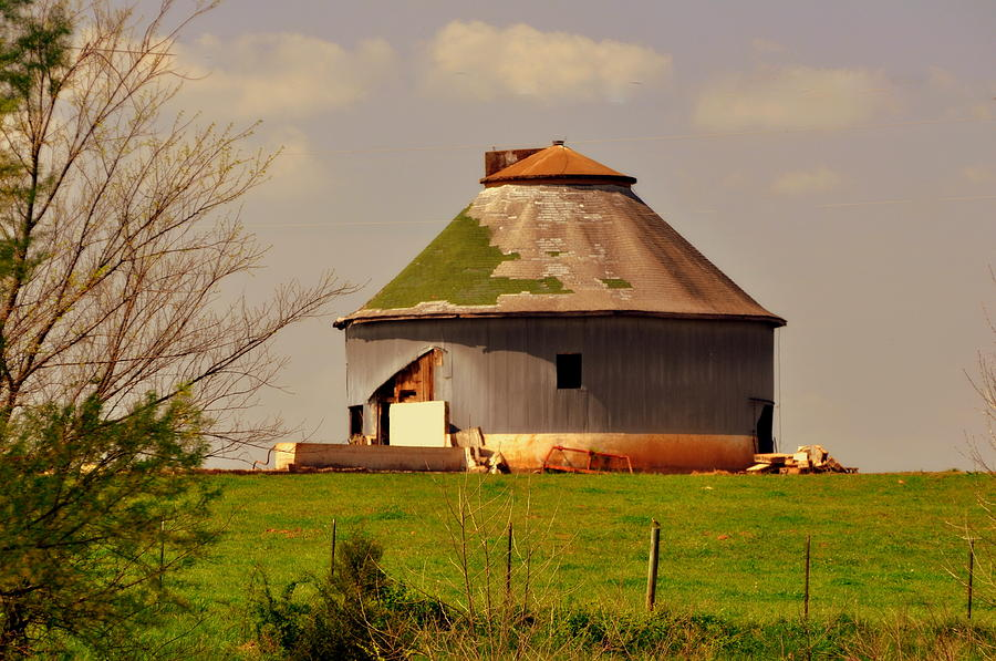 Barn Photograph - Round Barn by Marty Koch
